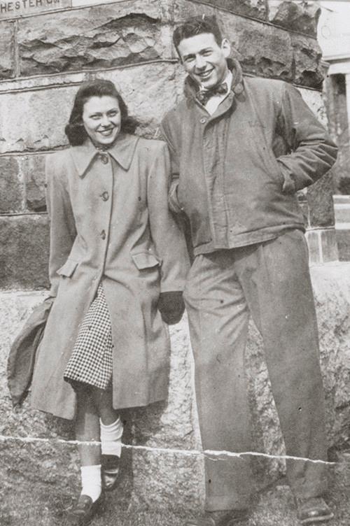 Пол Берг со своей невестой Милли