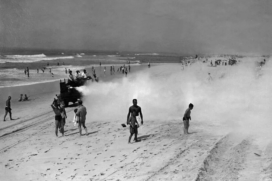 Пляж 1945 года